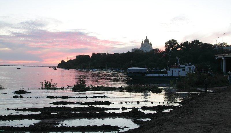 Вечерний Амур у Хабаровска
