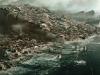 Последствия землетрясения у океана. Кадр из фильма 2012