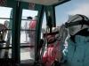 Лыжники в кабинке