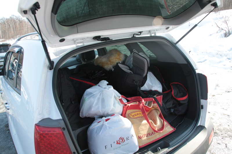 Плотный багажник - залог того что все найдется в дороге.