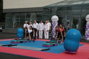 Открытие фитнес клуба Глобал в Хабаровске, выступление инструкторов
