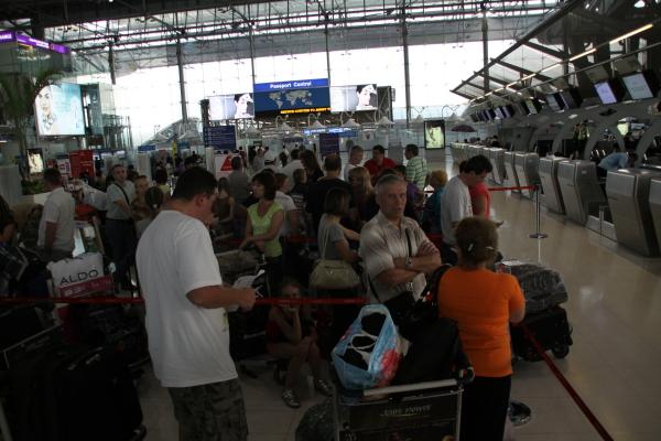 Наш рейс на стойке регистрации а а/п Бангкока