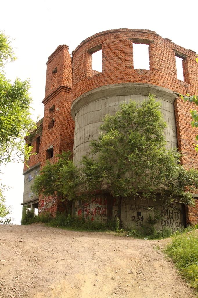 У подножия Башни Инфиделя